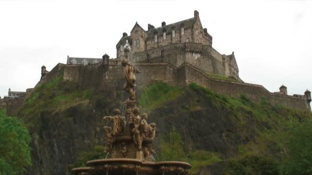 Castello inglese in cima ad una collina