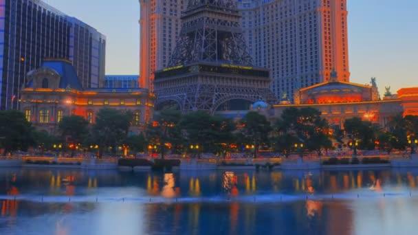 Timelapse, lo zoom dellHotel Bellagio enorme fontana piscina