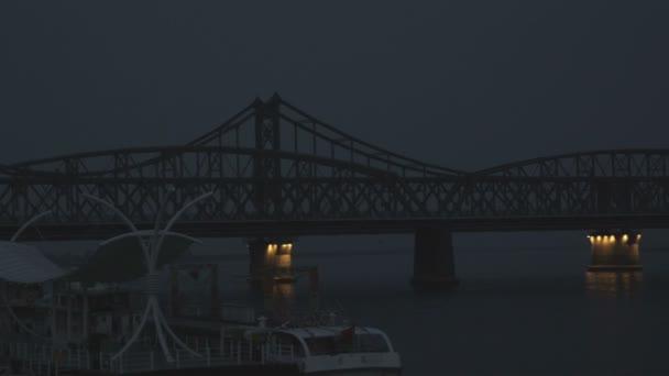 Zničený most Čína a Severní Korea