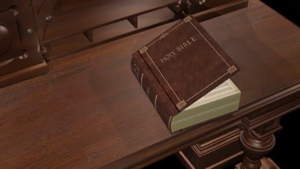 zdobený stůl jako bible na vrcholu otevírá první slova Genesis