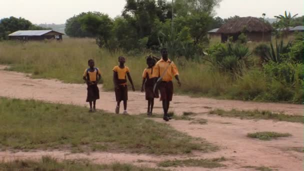 Africké děti chodit do školy
