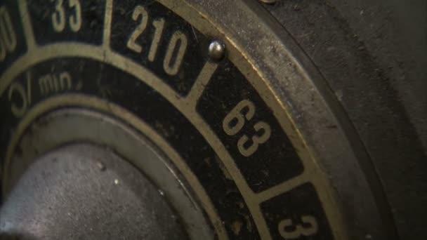 Extrémní zblízka kovovým dial proměně