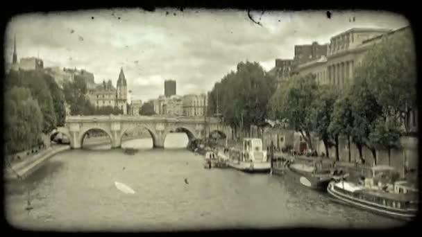 Řeka Temže v Paříži. Vintage stylizované videoklip.