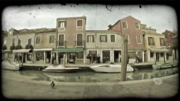 Benátský průplav. Starobyný stylizovaný videoklip.