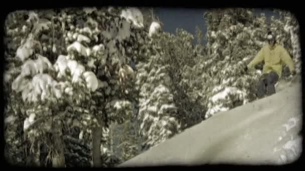 lyže lyžař dolů hory