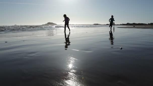 futás-ra beach Girls