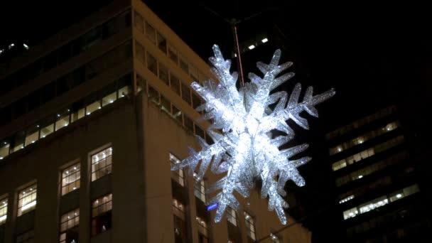 Vánoční hvězda na obloze s building v New Yorku