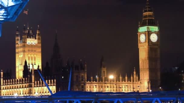 Big ben a budova parlamentu