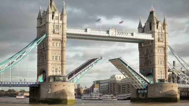 Tower Bridge na Temži