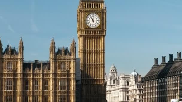 traffic on Westminster Bridge in London