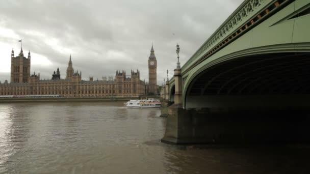 Big ben a Westminsterské opatství