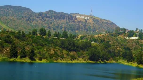 dombok körül Hollywood jel Los Angelesben