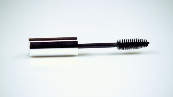 make-up brush for eyelashes