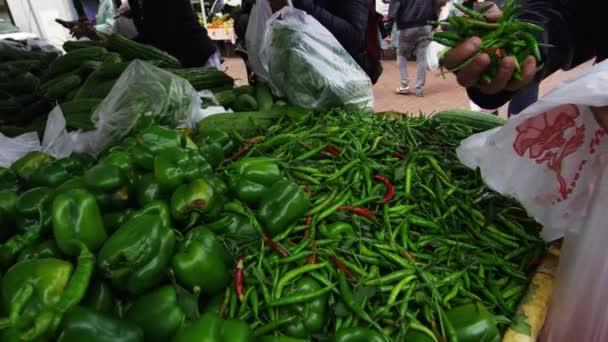 Zöldség egy nyitott piacon San Franciscóban