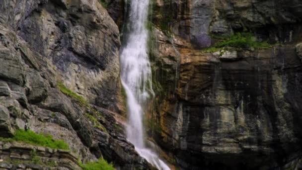 Bridal Veil Falls v Provo Canyon