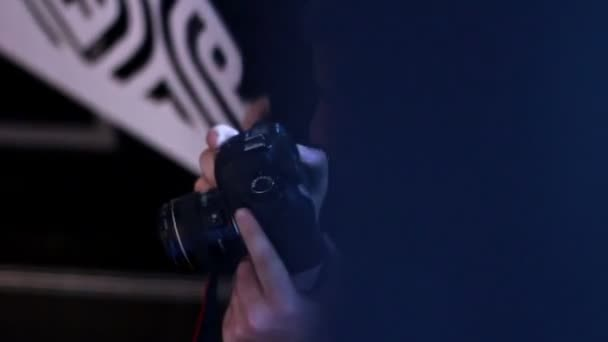 Glamour fotograf střílet bodypainting modelka