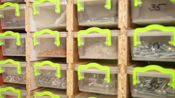 zásuvky pro malé nástroje tesařské