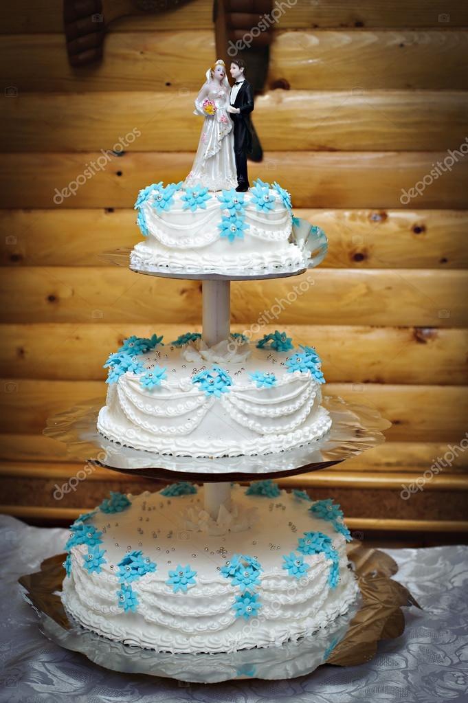 Schon Und Naturlich Lavendel Hochzeitstorte Stockfoto