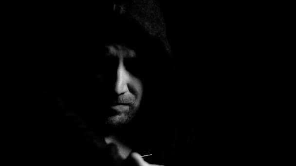 Boldogtalan szomorú férfi poszttraumás stressz, depresszió, mentális egészségügyi problémák