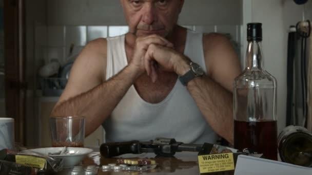 Öngyilkossági Lonely boldogtalan felnőtt férfi depresszió fontolgatják öngyilkosság