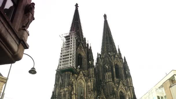 Köln: Der Kölner Dom in Köln. Der Kölner Dom ist eine berühmte mittelalterliche Kirche. Ultra HD 4k, Echtzeit
