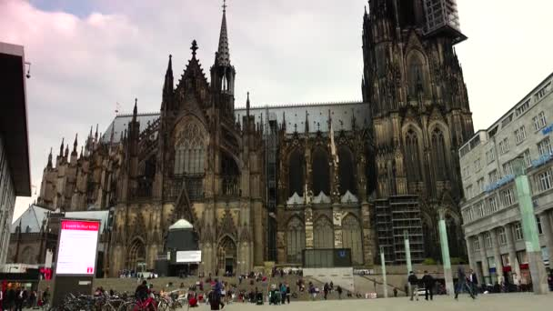 Cologne: The Cologne Cathedral in Cologne, Germany. Cologne Cathedral is a famous medieval church. ULTRA HD 4k,real time