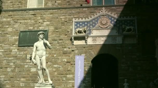 Florencie, Itálie: Palazzo Vecchio a Piazza della Signoria-světový památkové místo v Toskánsku. Ultra HD 4k, reálný čas