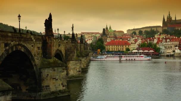 Ultra Hd 4k reálném čase výstřel, pohled na Karlův most v Praze