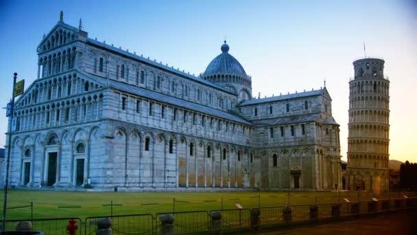 Východ slunce šikmé věže, dóm v Pise, Toskánsko, střední Itálie, náměstí zázraků, turistická atrakce, UNESCO, doba platnosti 4 KB