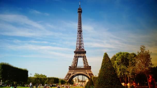 La Tour Eiffel. View of Eiffel Tower from Champ de Mars in Paris time lapse