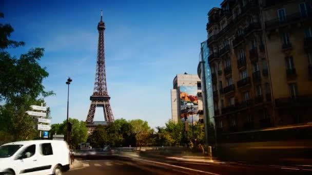 Rush óra Párizsban, kilátás az Eiffel-torony, idő telik