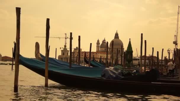Néhány látnivalók Velence város Olaszországban, gondola és a Canal Grande, valós idejű, HD