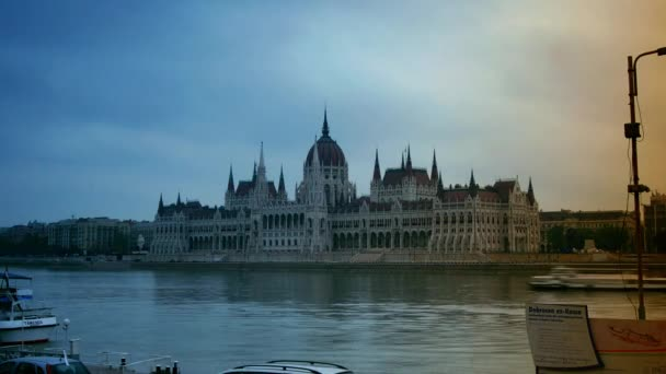 BUDAPEST, HUNGARY - sept 10: Touristic Boats on Danube River in front of Hungarian Parliament Building .time lapse,4k,