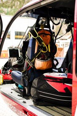 kurtarma helikopteri için acil durum sırt çantası