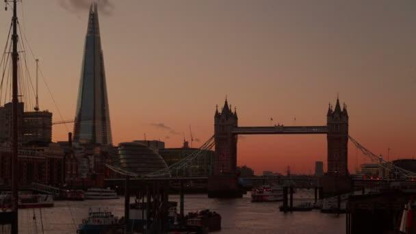 Timelapse výtahu London Tower Bridge otevření 3 krát