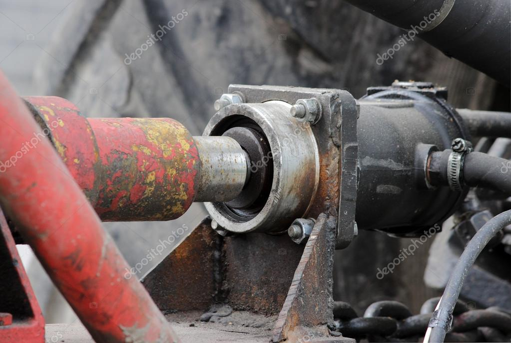 hydraulic drive of the  system to the tractor for irrigation water streets in the Gatchina Leningrad region