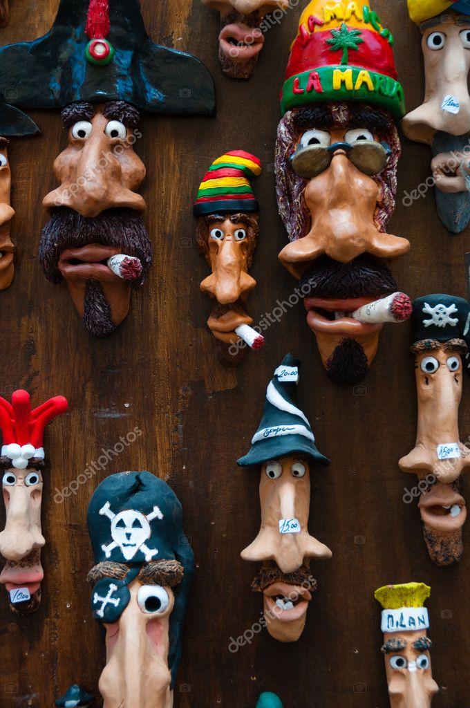Lustige Handgemachte Längliche Gesichter Kunst Auf Holz Wand