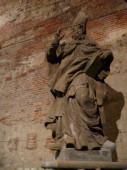 Fotografia sala sotterranea delle sculture al Castello di vysehrad a Praga