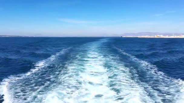 Výletní loď Wake otevřený oceán