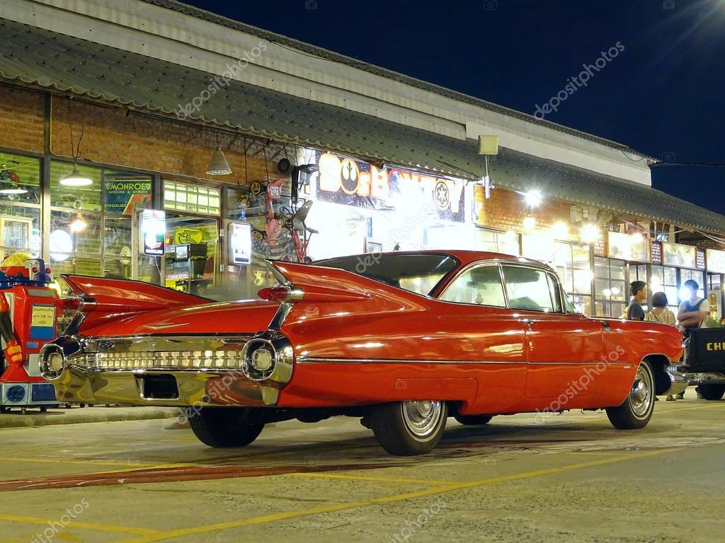 vieille voiture de sport rouge photo ditoriale memorized me clashot 86251694. Black Bedroom Furniture Sets. Home Design Ideas