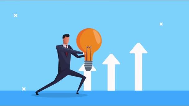 elegantní úspěšný podnikatel zvedání žárovky a šipky nahoru