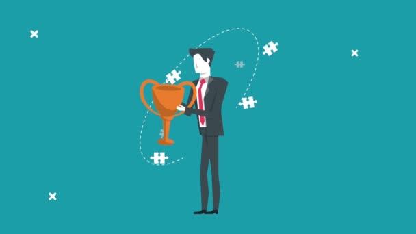 elegantní podnikatel zvedání pohár trofej a puzzle kousky