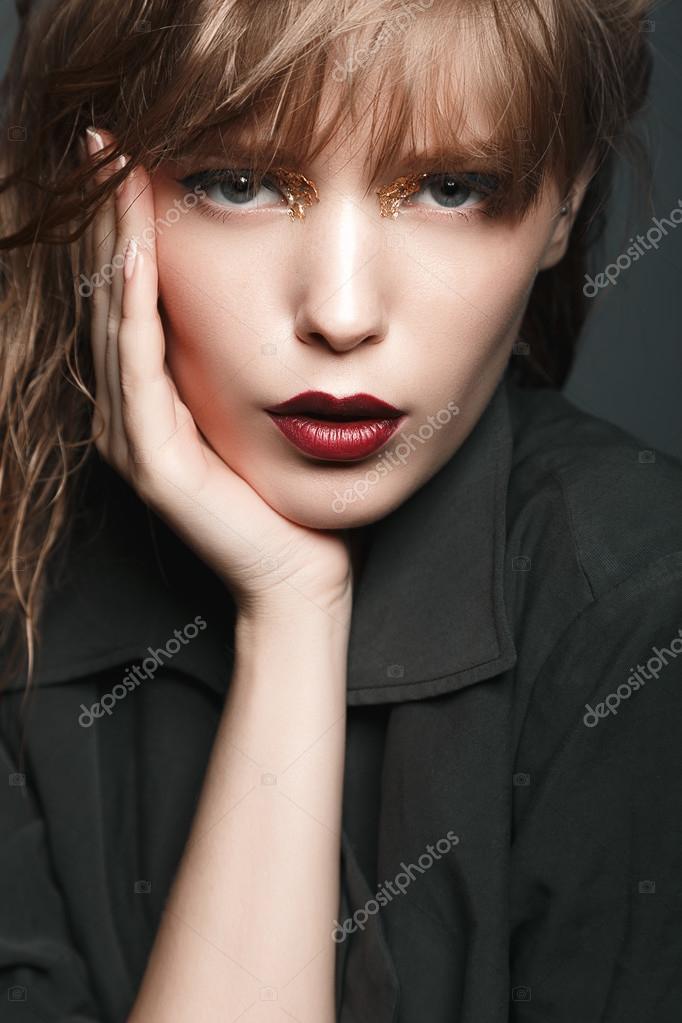Блондинка с сексуальными губами — pic 15