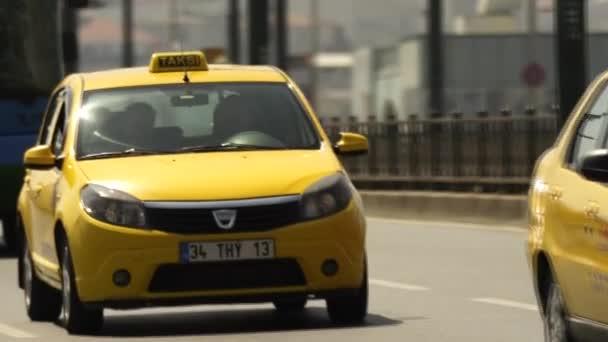 Istanbul Taxi na cestu