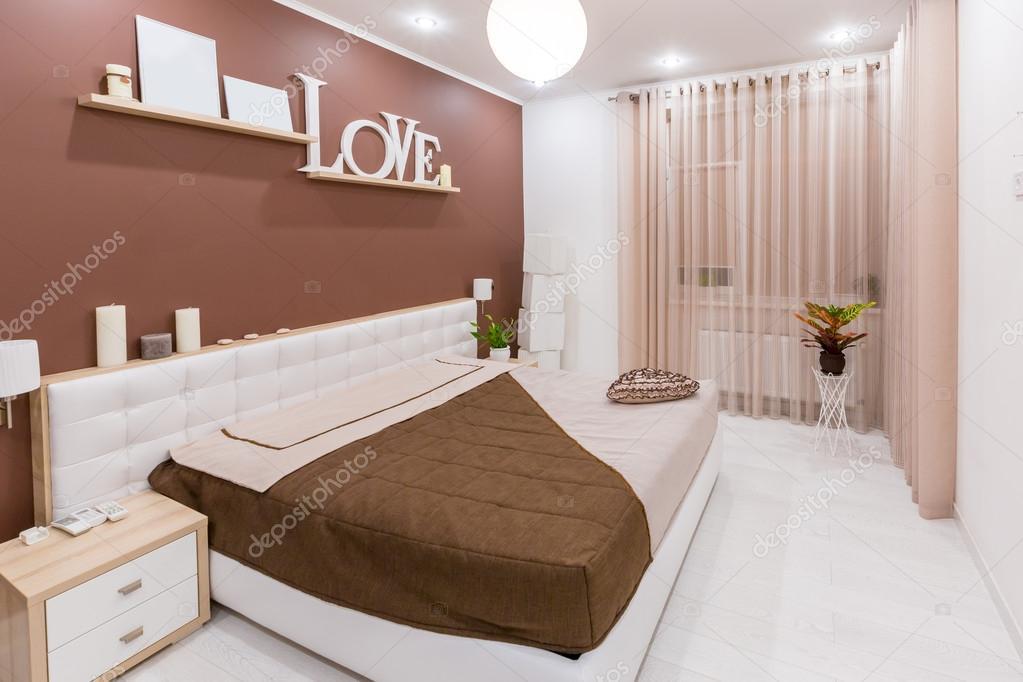Moderner Minimalismus Stil Schlafzimmer Interieur In Hellen, Warmen Farben  U2014 Stockfoto
