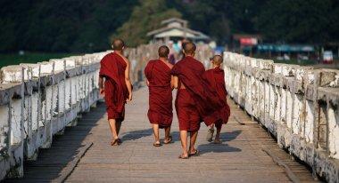 U Bein Bridge monks