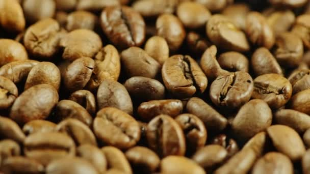 Hot coffee beans to the smoke