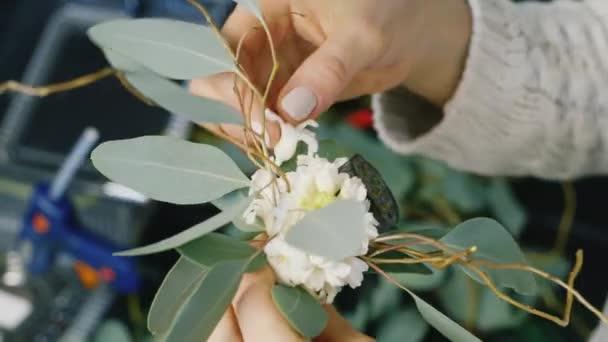 Kezek virágárus, hogy az összetétele a lótuszvirág