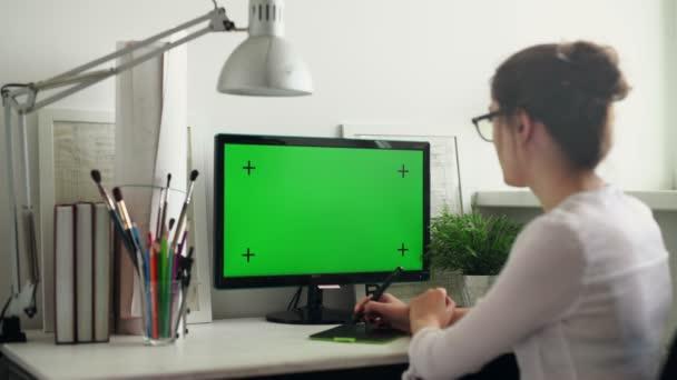 Návrháři pracují s grafický Tablet.