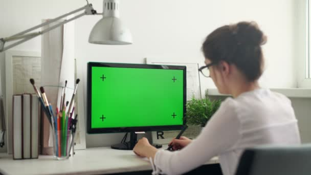 Designer, die mit Grafiktablettarbeiten arbeiten